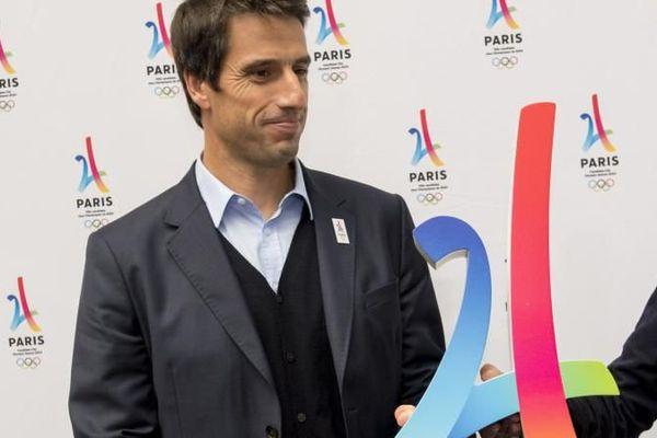 La maire de Paris, Anne Hidalgo, et Tony Estanguet, co-président du comité de candidature de Paris 2024, à Lima devant la presse, le 10 septembre 2017.