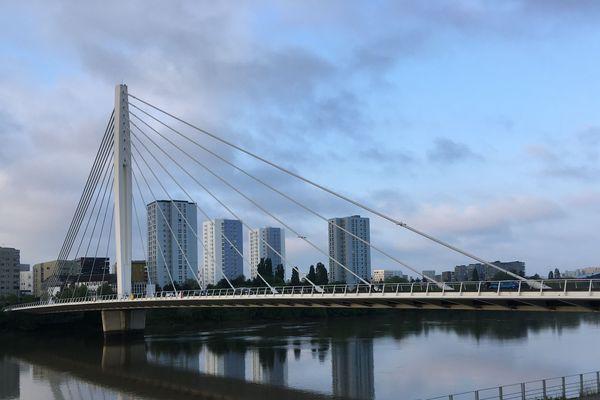 Le pont Tabarly à Nantes