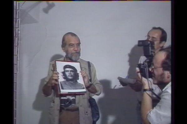 Le photographe cubain,Alberto Korda, est l'invité d'honneur du festival Visa à Perpignan, en 1989.