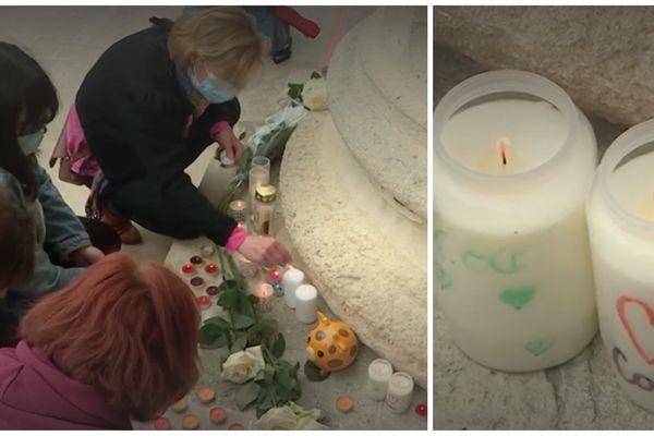 Des bougies ont été déposées devant le palais de justice de Reims.
