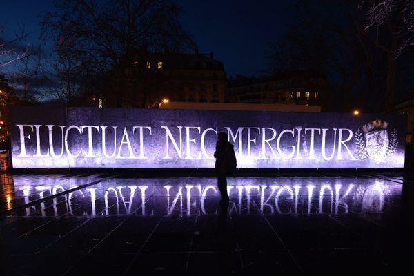 Fluctuat nec Mergitur, devise de Paris.