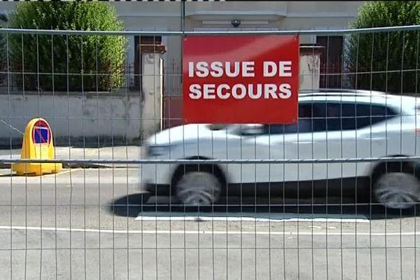 A Champagnole des barrières de sécurité ont été installées pour accueillir la fan zone.