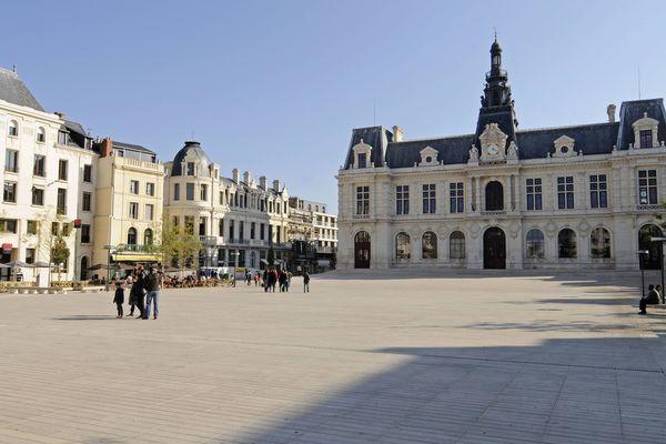 La Place d'armes à Poitiers.