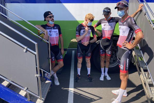 L'équipe de Nogent-sur-Oise à quelques minutes avant le départ de la première étape, à Duisans Promenade d'Artois (62).