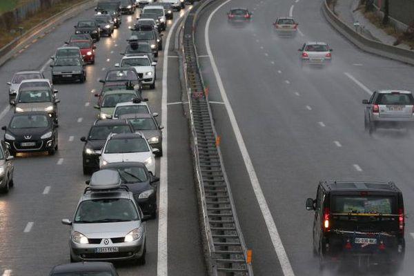 Premier chassé-croisé des vacances d(hiver et les bouchons sur l'autoroute A51