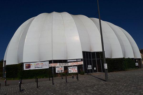 Le Dôme de Gascogne est occupé à Auch depuis le 17 mars dernier.