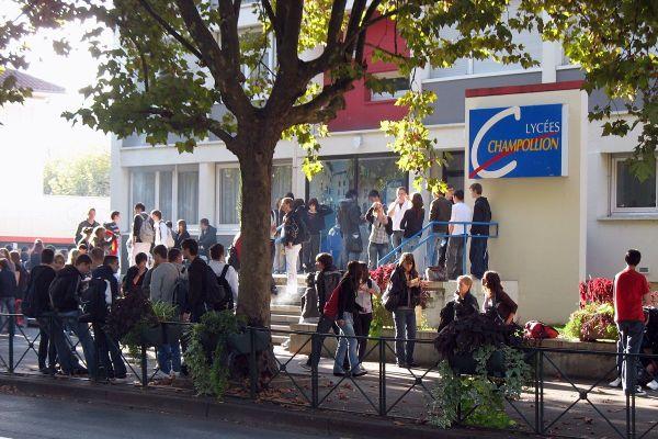 Le lycée professionnel Champollion de Figeac accueille près de 1 000 élèves.