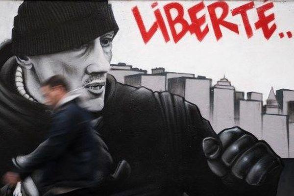 Une fresque du collectif d'artistes Black Lines représentant l'ancien boxeur Chrisophe Dettinger.