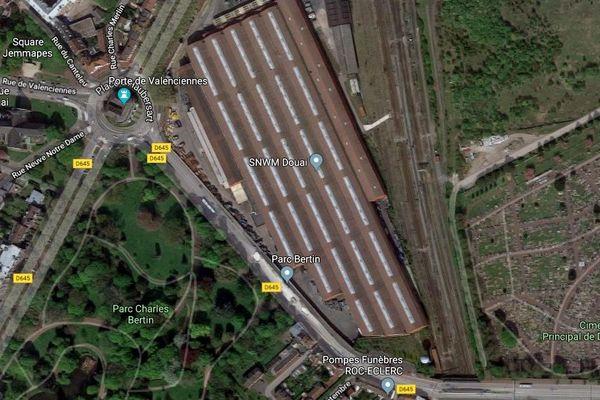 Le cadavre a été découvert sur un site d'entrepôts SNCF, non loin de la gare de Douai.