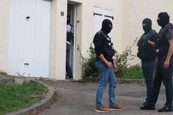 Perquisition chez des proches de Redoine Faïd à Villiers-Saint-Paul (Oise) le 5 septembre 2018.