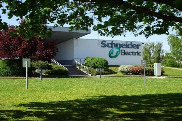 L'usine Schneider Electric de Chasseneuil-du-Poitou