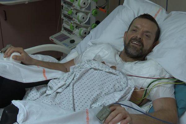 Félix Gretarsson, âgé de 48 ans, a reçu le 13 janvier 2021 une double greffe des bras, réalisée au sein des Hospices Civils de Lyon