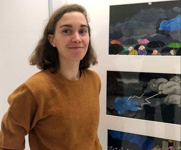"""""""Quand j'étais petite j'avais un poster du Nuage bleu, c'est un joli message de paix"""", Jeanne, 23 ans, étudiante."""