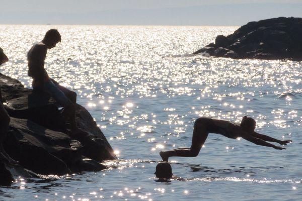 vacanciers sur la plage de Richelieu au Cap d'Agde