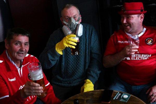 Un pub à Halifax, dans le nord de l'Angleterre, la semaine dernière.