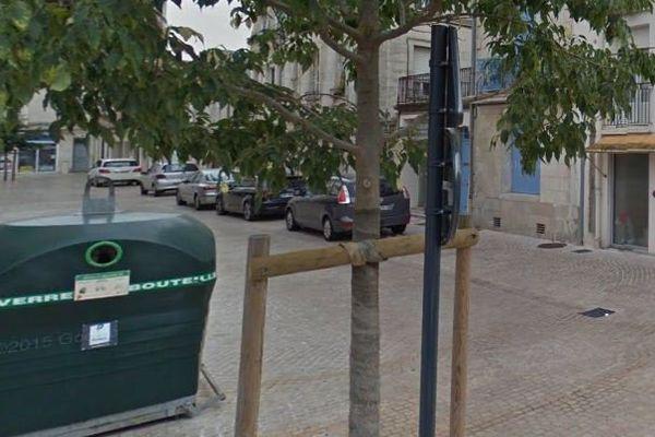 La rue de Poitiers où a été découvert le corps sans vie d'un homme de 44 ans.