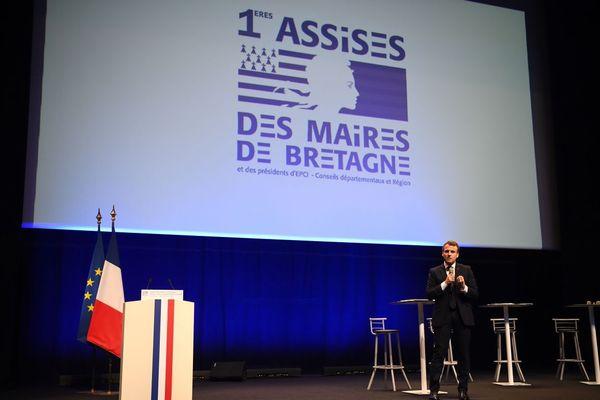 Emmanuel Macron répond aux doléances des élus lors des assises des maires de Bretagne à Saint-Brieuc - 3/04/2019