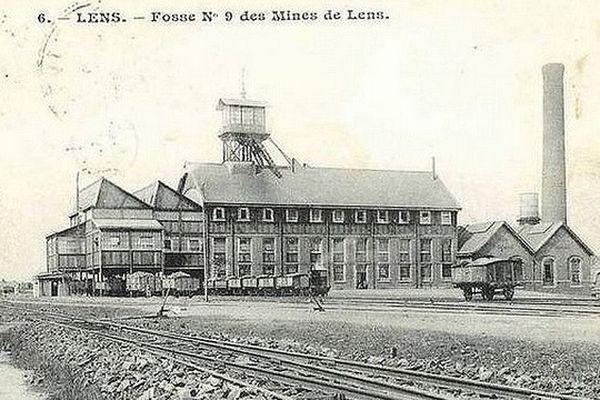 La Fosse n° 9 Théodore Barrois, à Lens au début du XXème siècle. A l'emplacement du musée du Louvre-Lens.