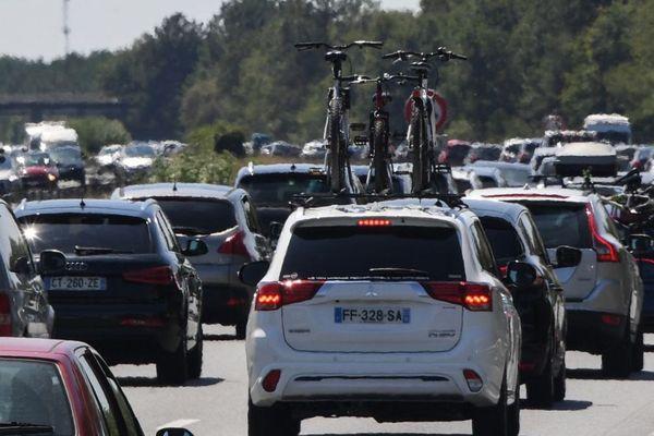 Le trafic s'annonce chargé sur les routes prévient Bison futé.