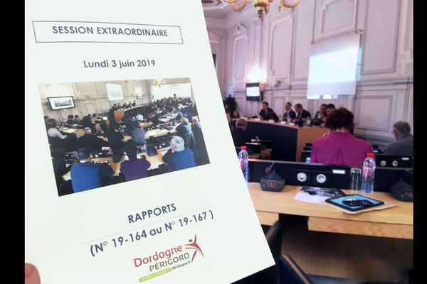 Session extraordinaire du Conseil Départemental de Dordogne aujourd'hui, Beynac à nouveau au centre de toutes les attentions