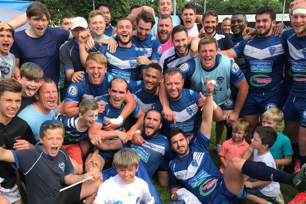 Les rugbymen du Club Sportif Beaunois montent en Fédérale 1