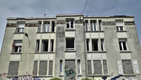 L'étrange cité coloniale de Cherbourg-en-Cotentin
