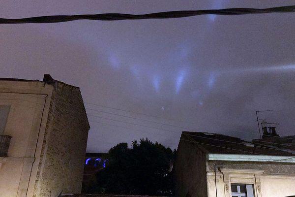 Montpellier - Ces lumières dans le ciel ont été photographiées dans la soirée de ce mercredi 15 septembre 2021 vers 20h45.