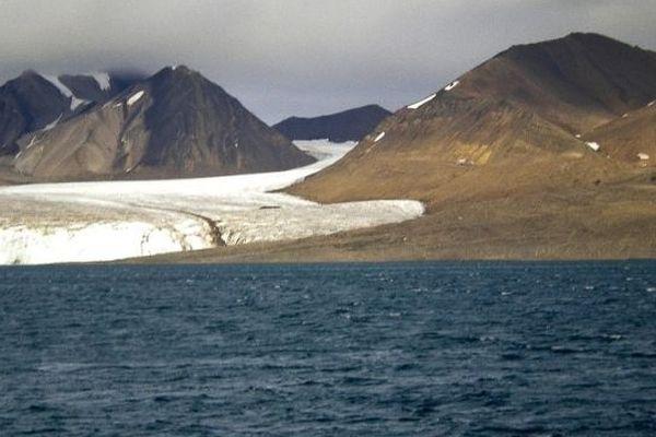L'Arctique fond à vue d'oeil en été
