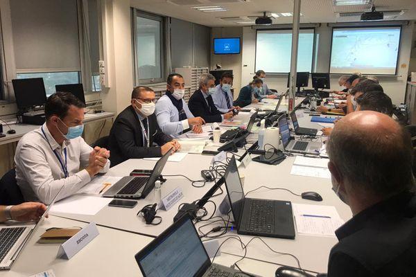 La cellule de crise en préfecture ce vendredi matin à Nice.