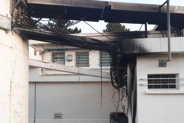 Une partie de l'antenne relais de Bourg-St Andéol endommagée par un incendie