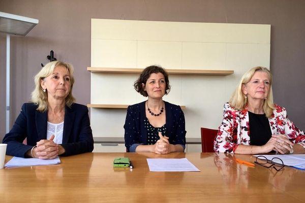 Danielle Dambach, maire de Schiltigheim, Jeanne Barseghian, maire de Strasbourg, et Pia Imbs, maire de Holtzheim, réunies ce jeudi 9 juillet, pour évoquer le mode de gouvernance de l'Eurométropole