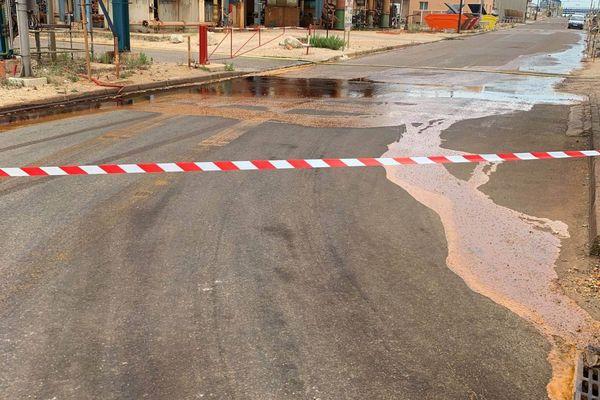 22/07/2020. Martigues (Bouches-du-Rhône), pollution en mer après une fuite dans un complexe pétrochimique.