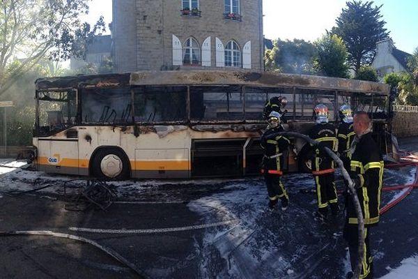 Un bus a pris feu en trois minutes ce mercredi à Quimper