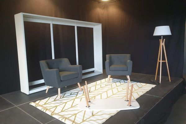 Installation du studio dans la médiathèque de Bron - © La Fête du Livre de Bron