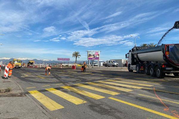 Des travaux du giratoire de la Siesta sur la RD 6098 entre Marina Baie des Anges (Villeneuve-Loubet) et le Fort Carré (Antibes) sont en cours cette semaine.
