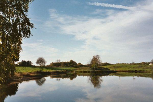 La zone dite des Mille étangs s'étend sur 220 kilomètres carrés en Haute-Saône.