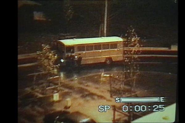 Extrait de la vidéo amateur qui démontre la présence des CRS rue du Docteur Fafet à Amiens le 12 novembre 1994