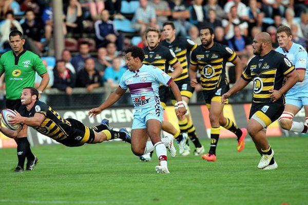 La rencontre de Rugby opposant le CS Bourgoin-Jallieu à SC Albi au stade Pierre Rajon. (Août 2014)