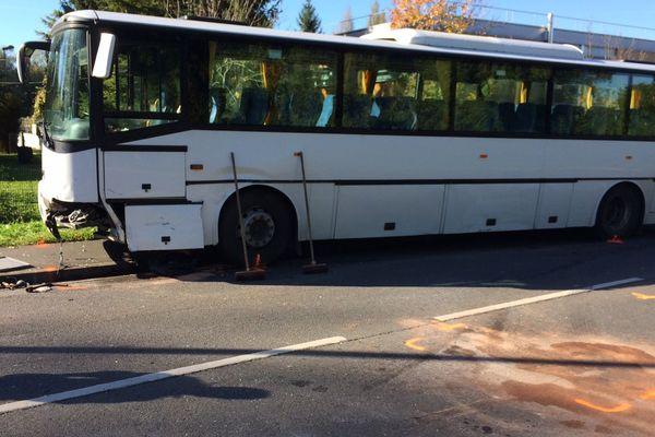 Un mort dans un accident de la route à Bourges, le conducteur ne portait pas sa ceinture.
