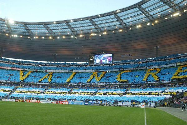 Le tifo des supporters du Racing au Stade de France en 2005 avait marqué les esprits.