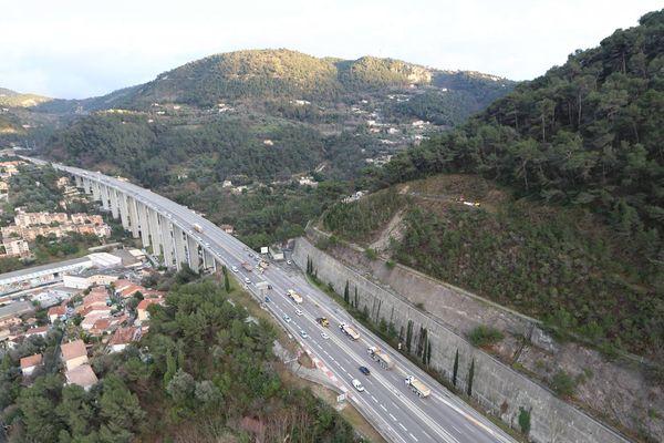 Un jeune migrant a été retrouvé mort ce mercredi, en bordure de l'A8.