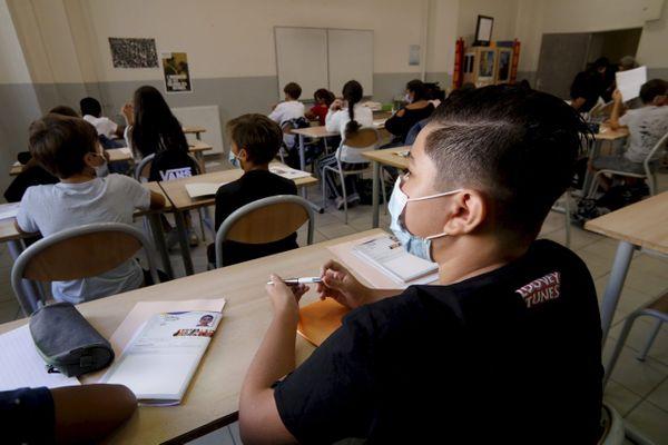 On dénombre 524 de cas de covid confirmés parmi les élèves de l'académie Aix-Marseille.