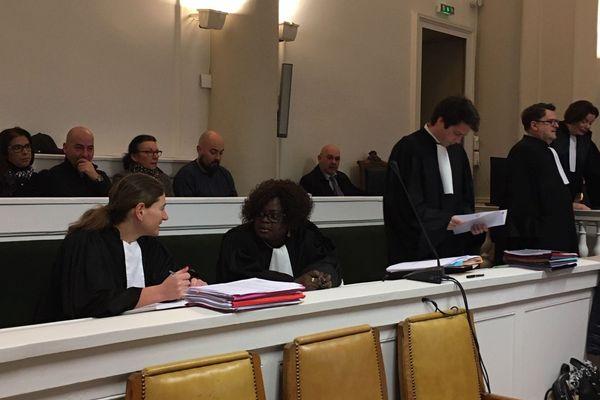 u deuxième jour du procès de 2 hommes accusés d'avoir sauvagement tué 3 personnes âgées à Montluçon, la cour d'assises de l'Allier, mardi 19 novembre, a entendu la souffrance extrême des enfants des victimes.