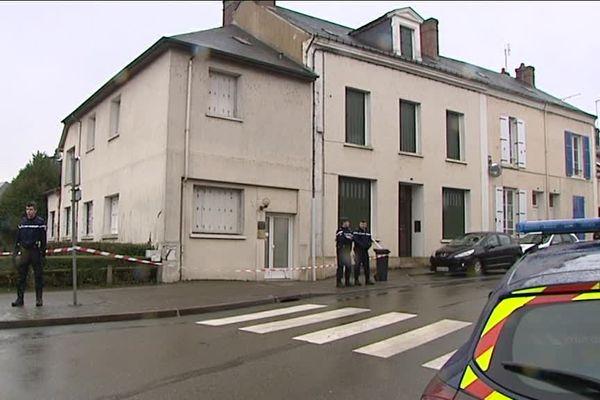 Un médecin a été retrouvé poignardé à son cabinet à Nogent-le-Rotrou.