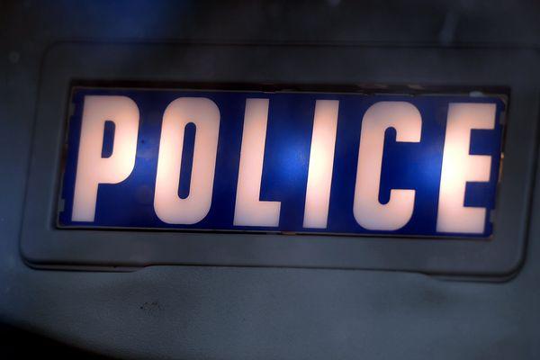 Deux hommes casqués ont tiré avec des armes à feu sur un groupe de personne à Bagnolet (Seine-Saint-Denis).