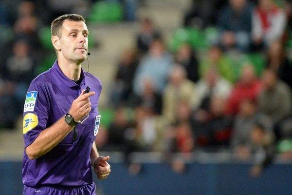 Alexandre Castro a été bousculé par Leonardo à l'entrée des vestiaires après la rencontre PSG/Valenciennes.