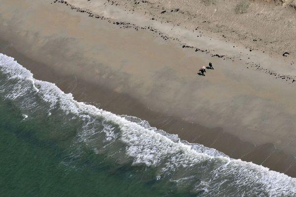 Vue aérienne d'une plage à Penvins dans le Morbihan