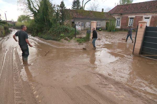 Au total, 120 habitations ont été touchées par des inondations et des coulées de boue.