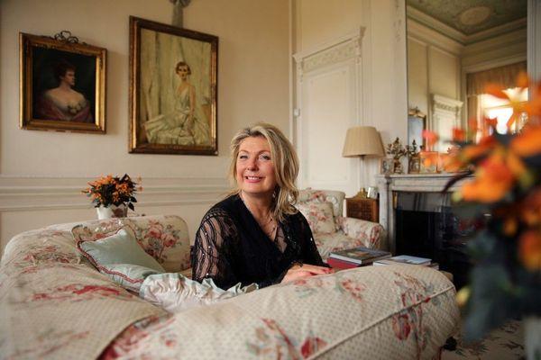 Lady Fiona Carnarvon, épouse du véritable propriétaire du château de Highclere.