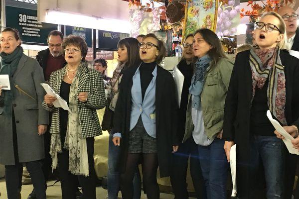 La chorale des commerçants du centre ville de Troyes a donné de la voix toute la semaine pendant les Nuits de Champagne.